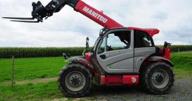 Manitou - Land- und Baumaschinen