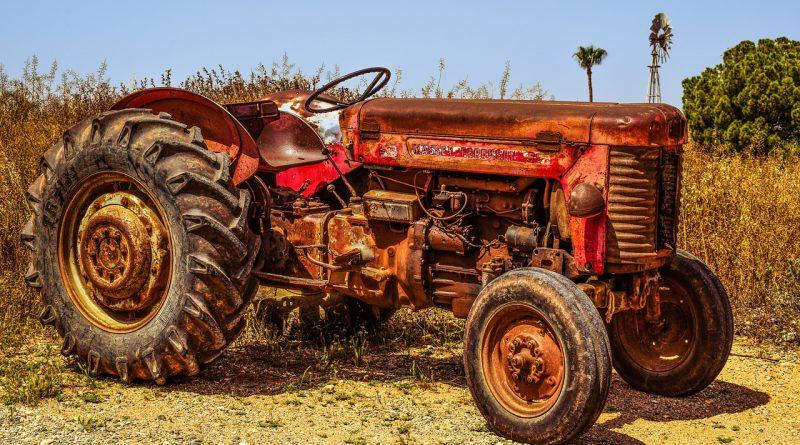 Massey Ferguson - Land- und Baumaschinen