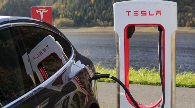 Tesla Ladestation Elon Musk