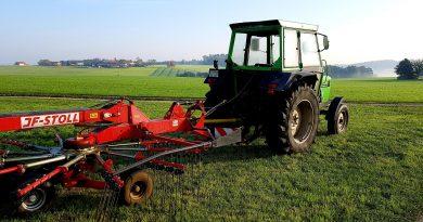 Stoll Land- und Baumaschinen